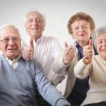 Escolas poderão ter aulas sobre cuidado e respeito aos idosos
