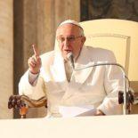 """Papa Francisco incentiva a defender a vida """"desde a concepção até o fim"""""""