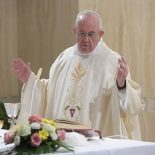 """Papa: """"Deus é capaz de transformar os corações de pedra"""""""