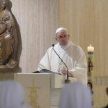 Papa: a missão do bispo é cuidar do rebanho, não fazer carreira