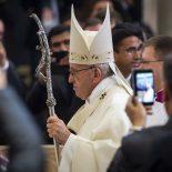 Papa a clérigos: falar com ternura, ouvir sem condenar
