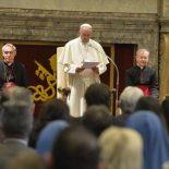 Papa: serviços postais e telefônicos do Vaticano favorecem a difusão da mensagem cristã