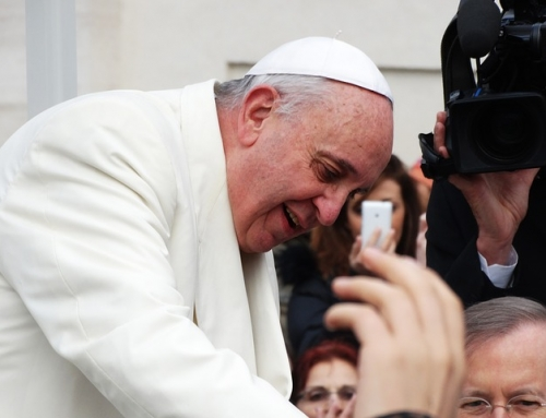 Francisco: o apelo pela paz aos jovens, futuros agentes de transformação